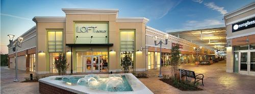 Outlet Shoppes of Atlanta  - Sixes Living